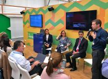 Side Event <em>do <strong>WRI Brasil</strong> no Pavilhão Brasileiro, na COP22, em Marrakech. A partir da esq.: Viviane Romeiro, Branca Americano, Adriano Santhiago e Carlos Rittl (Foto: Juliana Speranza)</em>